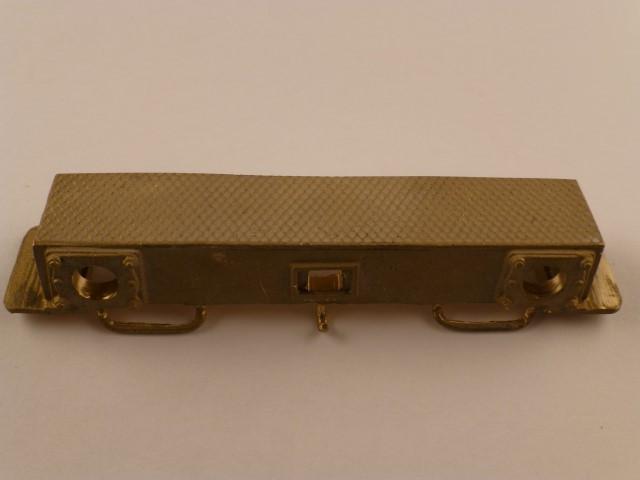Pufferbohle, mit seitlichen Tritten und Riffelblech, 10 x 67mm,  13,5mm tief